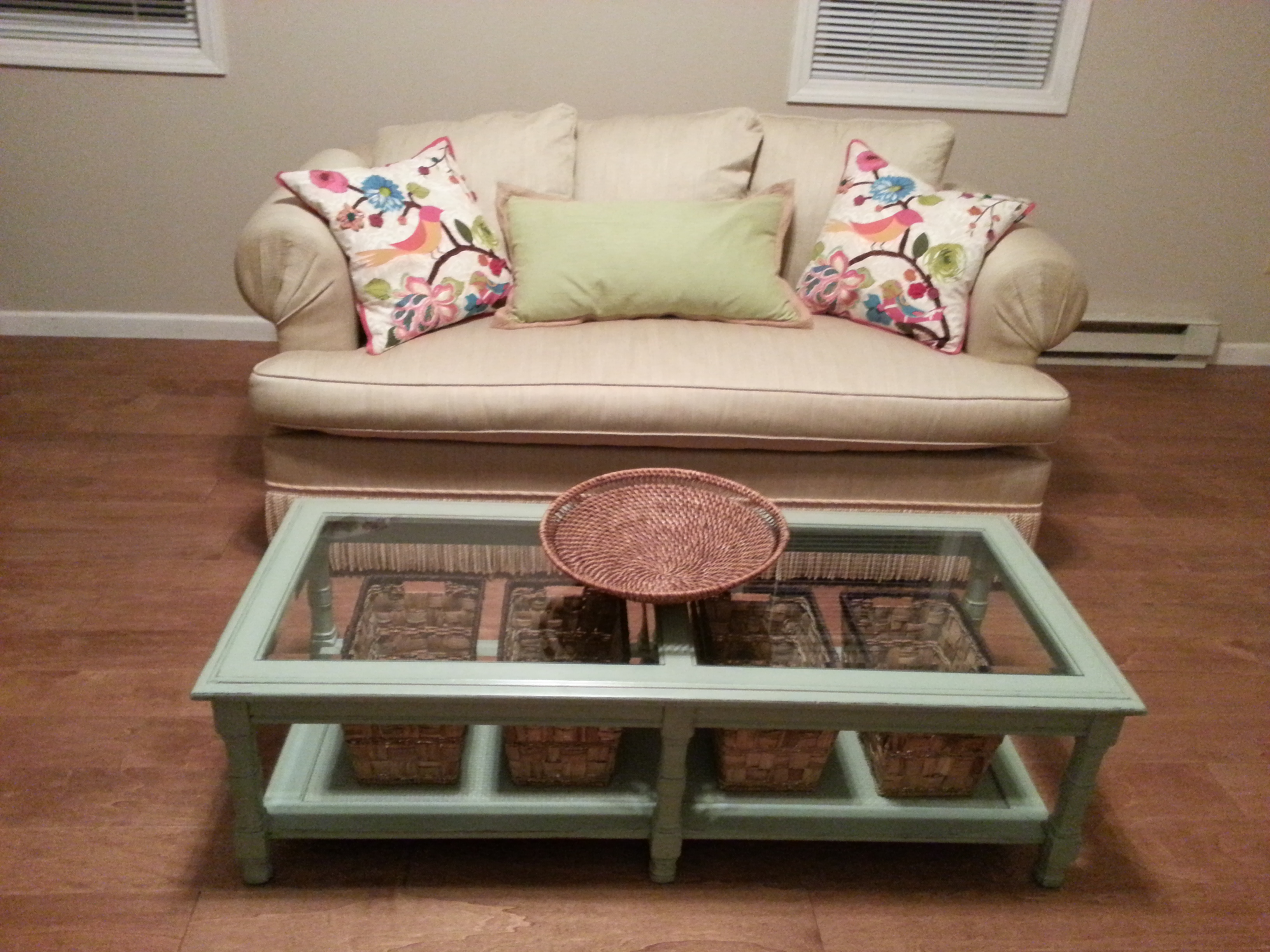 How to Update an Old Coffee Table – From Old to New – Homemade